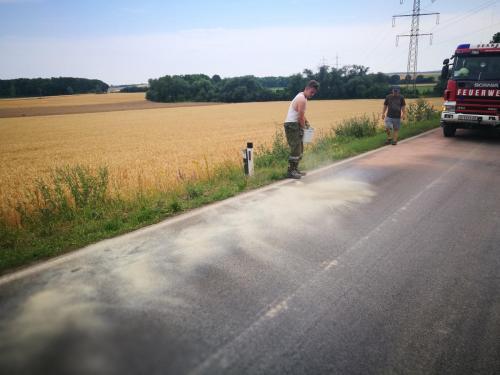 2019-07-02 Ölspur zwischen Dürnkrut und Waidendorf